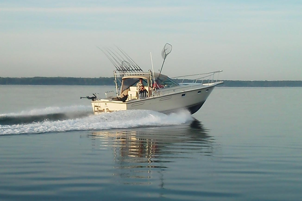 Small program charters boat specs and equipment for Fish hawk x4